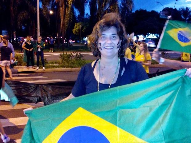 Xará da presidente, Dilma Abreu diz que a situação no país é vergonhosa (Foto: Rodolfo Tiengo/G1)