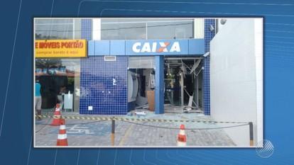 Bandidos explodem caixa eletrônico de agência bancária em Lauro de Freitas