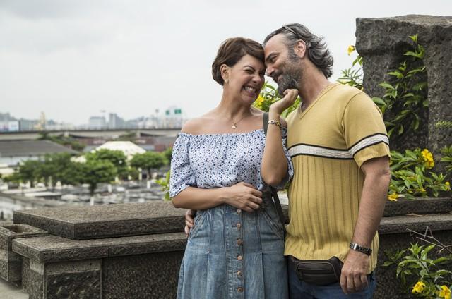Fabiula Nascimento e Marcelo Valle nos bastidores do longa 'Como é cruel viver assim' (Foto: Divulgação/Serendipity)