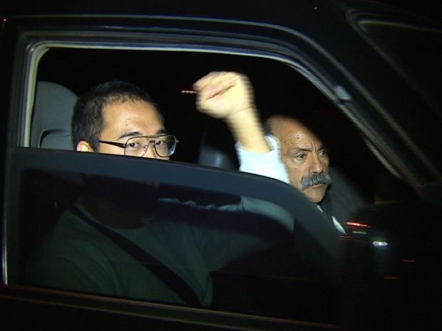 Ativista preso em protesto contra Copa deixa presídio em Tremembé (Foto: Reprodução/ TV Vanguarda)