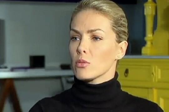 """Bastante abalada, Ana Hickmann deu entrevista na qual relatou tudo que passou: """"Tive a certeza que ia morrer"""" (Foto: Reprodução Rede Record)"""