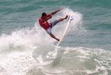 Elivelton Santos passa para as semis e garante t�tulo do Nordestino de Surfe