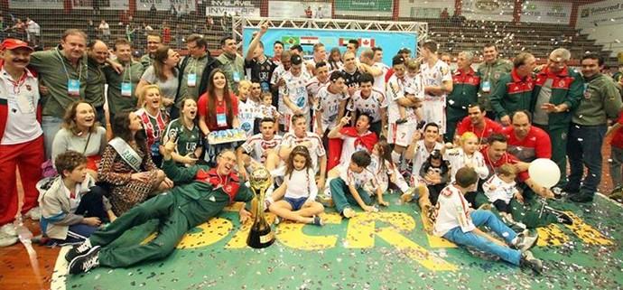 Atlântico Erechim celebra título da Copa Intercontinental de futsal (Foto: Reprodução/Facebook)