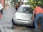 Chuva forte atinge Bauru e carros 'afundam' em buracos