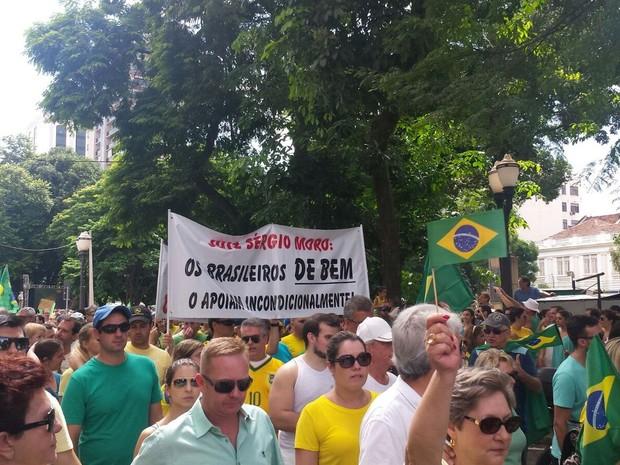 Manifestação contra Dilma em Piracicaba 2 (Foto: Laila Braghero/G1)