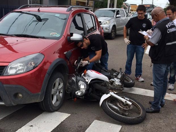Segundo testemunha, ladrões agiram rápido durante assalto a português em João Pessoa (Foto: Walter Paparazzo/G1)