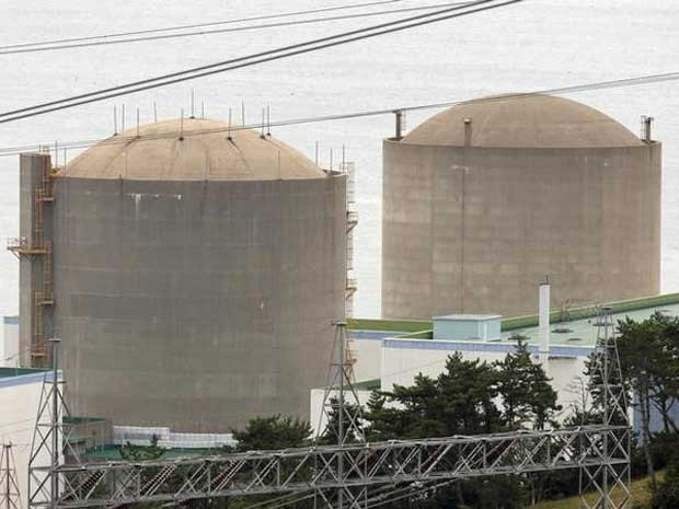 Reatores da usina nuclear de Gori. (Foto: Lee Jae-won / Reuters)