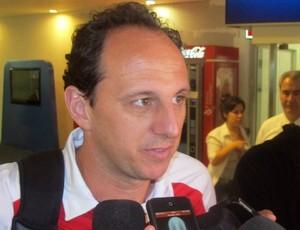 Rogério Ceni no desembarque do São Paulo na Argentina (Foto: Marcelo Prado / globoesporte.com)