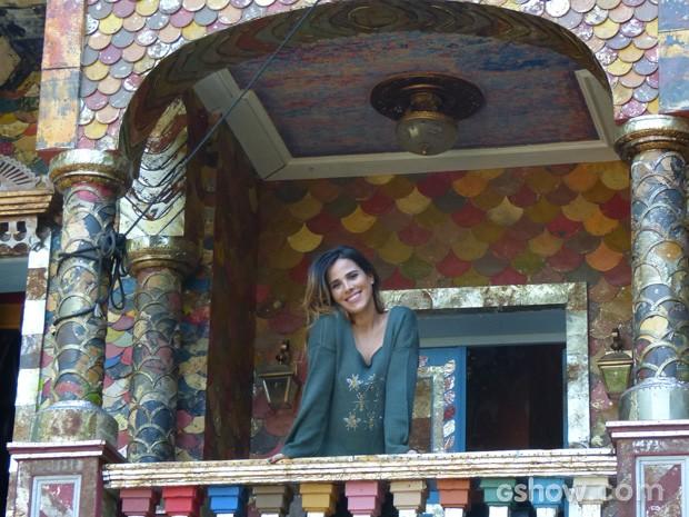 Wanessa na casa do Coronel Epa (Osmar Prado) (Foto: Meu Pedacinho de Chão / TV Globo)