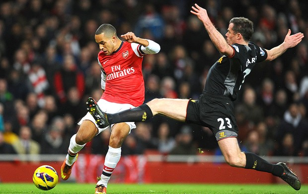 Theo Walcott na partida do Arsenal contra o Liverpool (Foto: Getty Images)