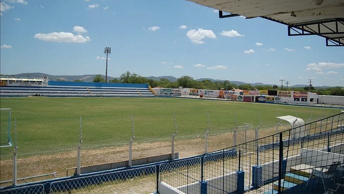 Estádio Nildo Pereira - Serra Talhada (Foto: Tiago Medeiros / GloboEsporte.com)