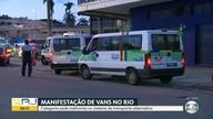Motoristas de vans fazem manifestação e pedem melhorias no transporte alternativo