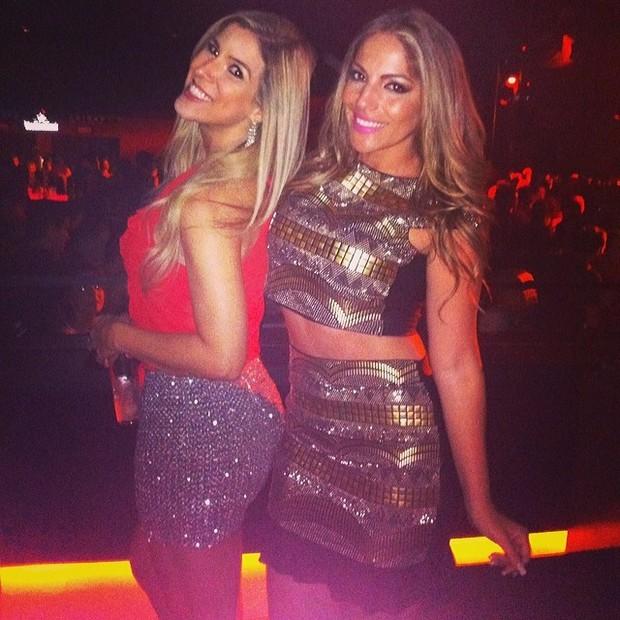 Ex-BBB Milena e Anamara em boate em São Paulo (Foto: Instagram/ Reprodução)