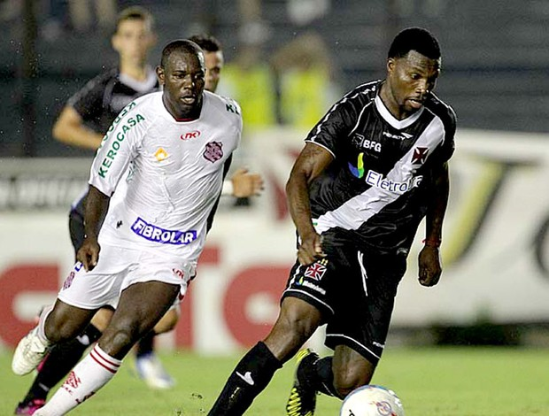 Tenório na partida do Vasco contra o Bangu (Foto: Marcelo Sadio / Site do Vasco)