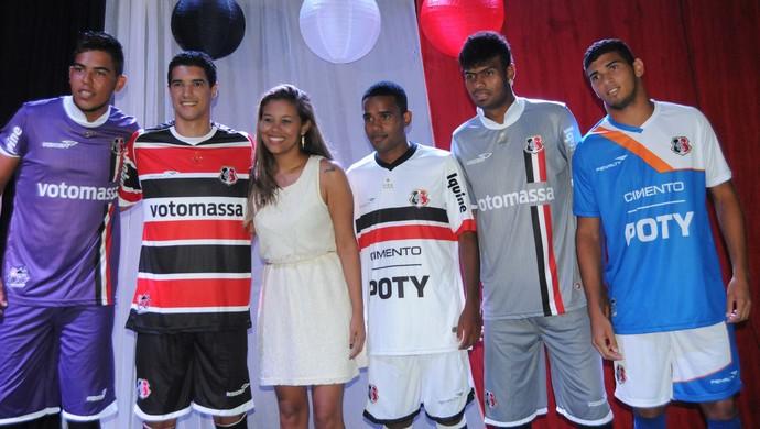 Lançamento da nova camisa do Santa Cruz (Foto: Aldo Carneiro/ Pernambuco Press)