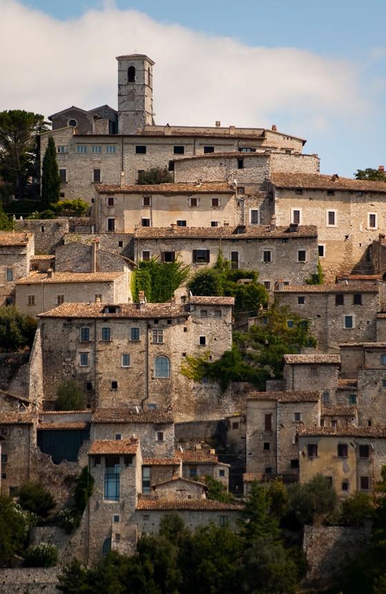 Vista da cidade da Itália que sofreu um terremoto (Foto: Emanuele Ciccomartino / robertharding)