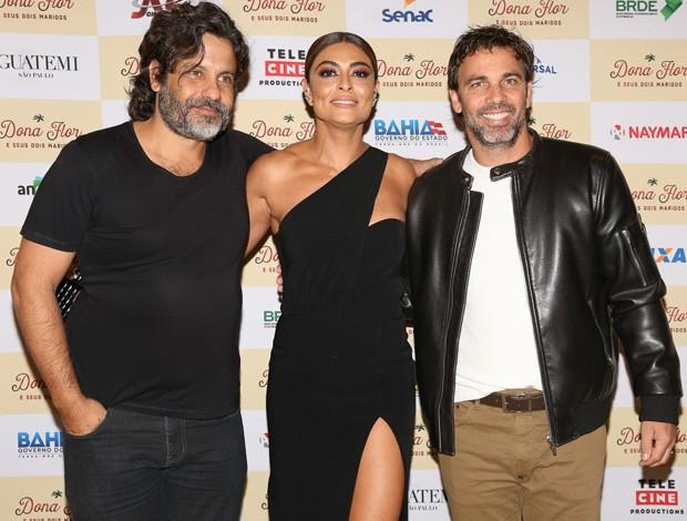 O diretor Pedro Vasconcelos, Juliana Paes e Marcelo Faria (Foto: Deividi Correa/AgNews)