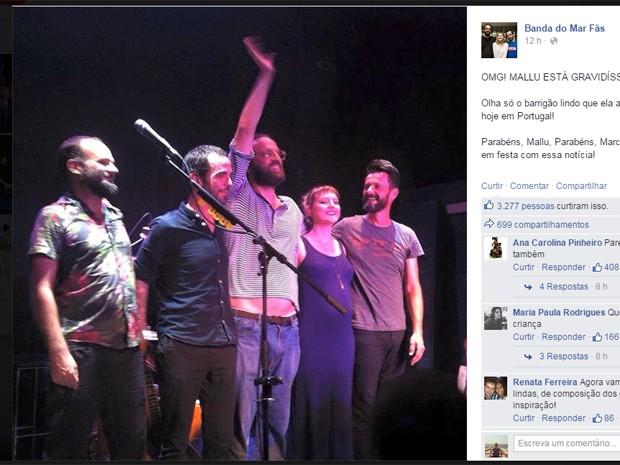 Fã-clube de Mallu Magalhães registrou show da Banda do Mar em Portugal nesta quarta (9) (Foto: Reprodução/Facebook)