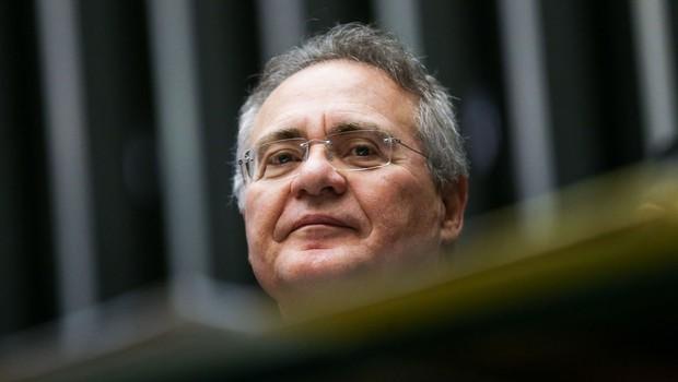 O presidente do Senado, Renan Calheiros (PMDB) preside sessão de votação da Lei de Diretrizes Orçamentárias (LDO) (Foto: Marcelo Camargo/Agência Brasil)