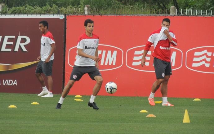 nilmar internacional inter treino (Foto: Lucas Rizzatti/GloboEsporte.com)