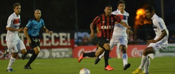 No primeiro duelo das quartas de final, Atlético-PR perdeu por 2 a 1 para o Paraná (Foto: Divulgação/ Site oficial Atlético-PR)