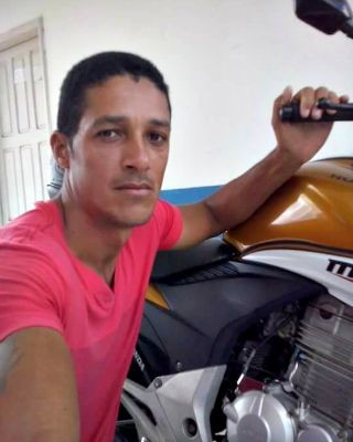 Cláudio da Silva morreu em acidente no domingo (30) em Cruzeiro do Sul  (Foto: Arquivo da família)
