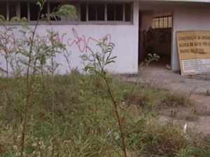 Posto de saúde estão com obras paralisadas (Foto: Reprodução/TV Integração)