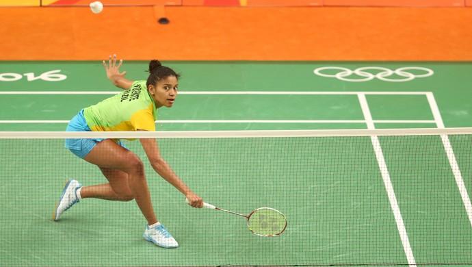 Lohaynny Vicente, do Brasil, enfrenta Marija Ulitina, da Ucrânia; badminton (Foto: Saulo Cruz/Exemplus/COB)