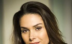 Fernanda Machado ensina o passo a passo da maquiagem de Leila