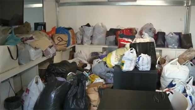 As doações foram tantas que encheram a agência de Curitiba (Foto: Divulgação/ RPC TV)