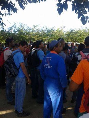 Protesto de funcionários terceirizados da Suzano em Murici, sul da Bahia (Foto: Divulgação/Sinticesb)