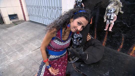Maria Menezes conhece o universo rock and roll da Ribeira