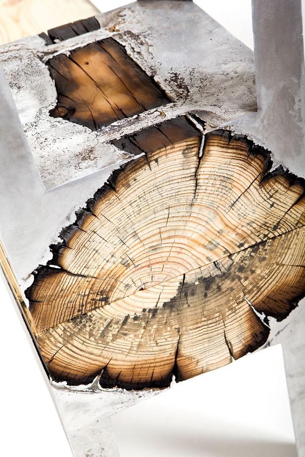Metal e madeira criam peças únicas