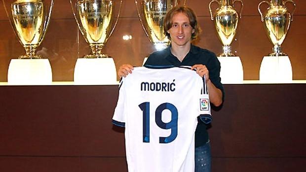 Modric real madrid apresentação (Foto: Divulgação / Site Oficial do Real Madri)