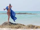 Kim Kardashian posa de biquíni na Tailândia