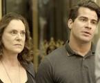 Elizabeth Savala e Thiago Martins em cena de 'Pega pega' | Reprodução