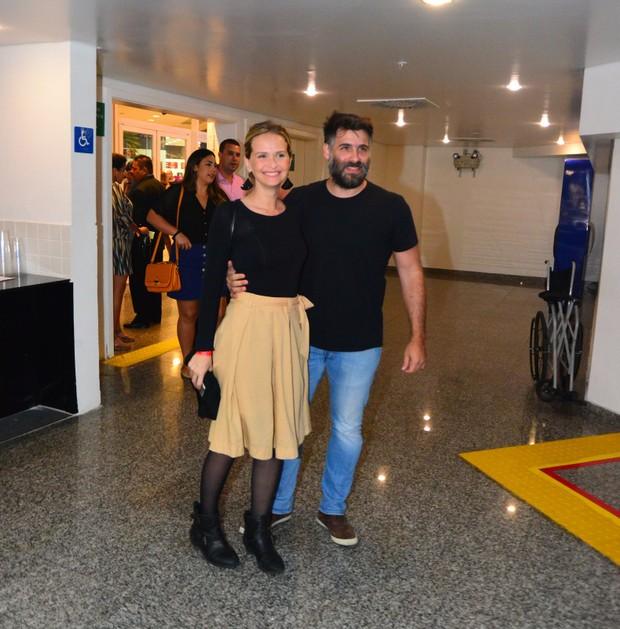 Fernanda Rodrigues e Raoni Carneiro (Foto: AgNews)