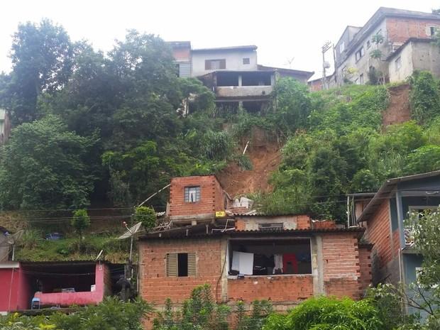 Área que deslizou em Mairiporã (Foto: Tatiana Santiago/G1)