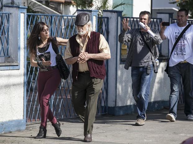 Alessandra Negrini e Francisco Cuoco rodam cenas de Susana e Vicente em Marechal Hermes (Foto: Inácio Moraes/Gshow)