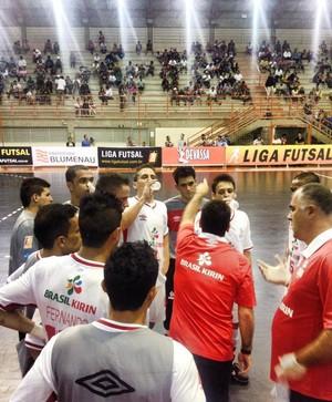 Sorocaba Futsal em Paulínia contra o Blumenau (Foto: Divulgação / Futsal Brasil Kirin)