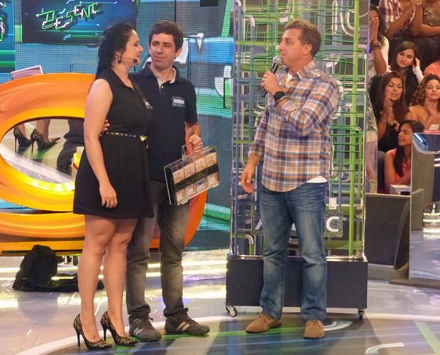 Bruno e Flávia venceram o Desencana neste sábado (Foto: Caldeirão do Huck/TV Globo)