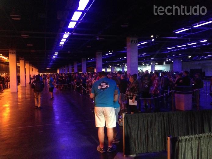 Fila da loja da BlizzCon superava as quatro horas  (Foto: Felipe Vinha/TechTudo)