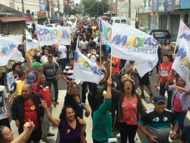 Apoiadores de Max Filho comemoram vitória nas ruas (Foto: Palloma Spala/Curso de Residência da Rede Gazeta)
