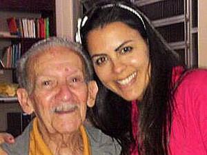 Nanda Garcia com o avô (Foto: Arquivo Pessoal)