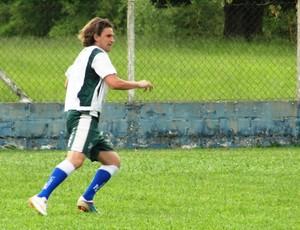 Julio Fantone em treino do Taubaté (Foto: Arthur Costa/ Globoesporte.com)