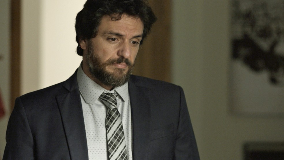 Caio pede que Cibele não se engane mais e joga a verdade na cara da morena (Foto: TV Globo)