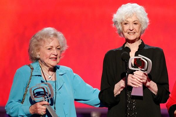 As atrizes Betty White e Bea Arthur (Foto: Getty Images)