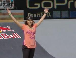 Leticia Bufoni skate (Foto: Reprodução / X Games)
