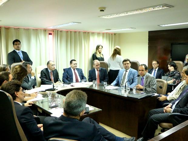 Reunião aconteceu nesta terça (31) na Assembleia Legislativa (Foto: Demis Roussos)
