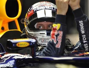 Vettel no cockpit da RBR (Foto: AFP)